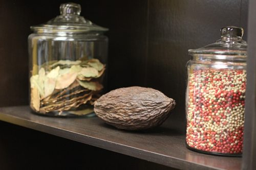 Bay leaves, cocoa pod, peppercorns