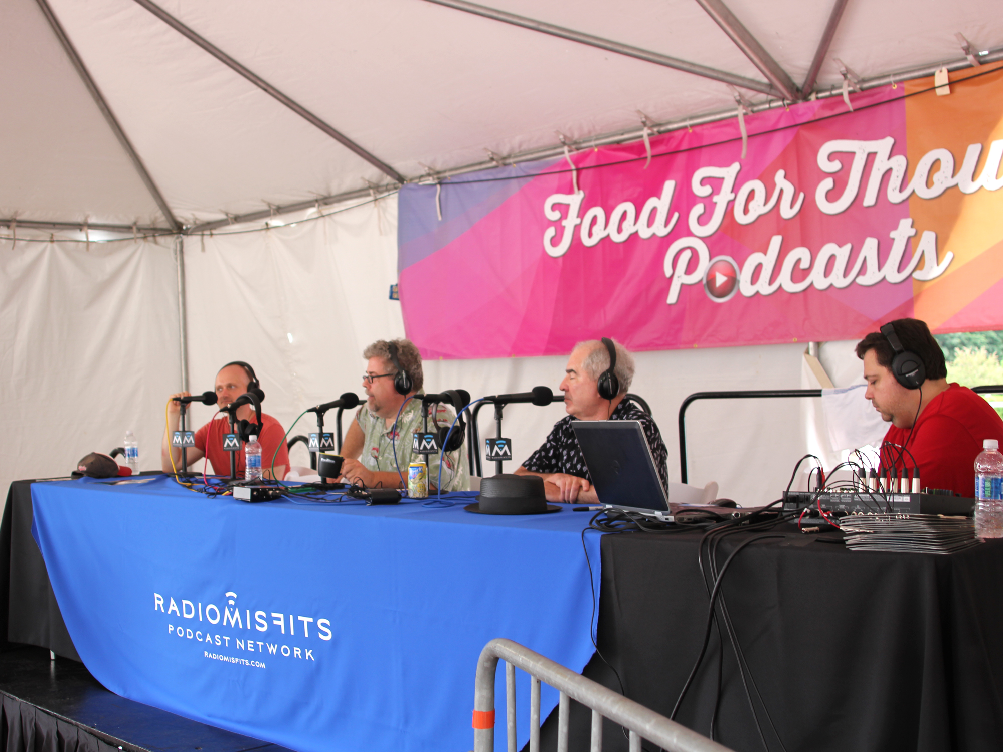 FOODITOR RADIO: <br>TACOS, BURGERS AND OTHER TASTES OF CHICAGO